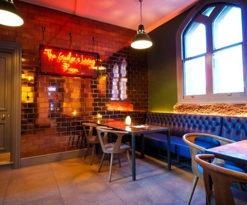 the-pound-canterbury-bar-lighting-led-stone-copper-oculux