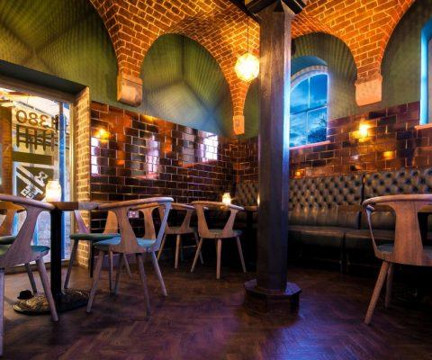 the-pound-canterbury-bar-lighting-led-vaults-oculux