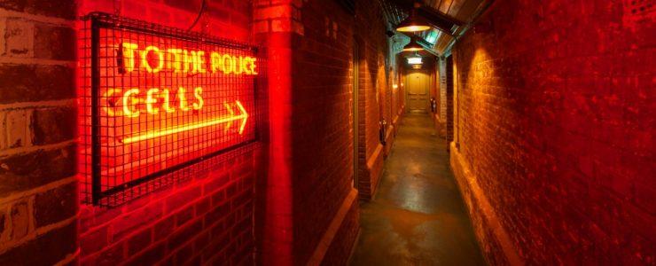 the-pound-canterbury-bar-lighting-neon-retro-oculux