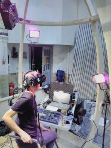 feelies VR headset
